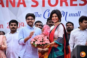 actress-oviya-launches-saravana-stores-crown-mall-omr-chennai-stills-615e037
